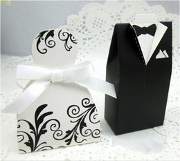 Wholesale 100 Wedding Favor Holders Groom Tuxedo Dress Wedding Party Supplies Ribbon Candy Boxes Hot Candy Boxes Bride Groom Favor Gift BO7077