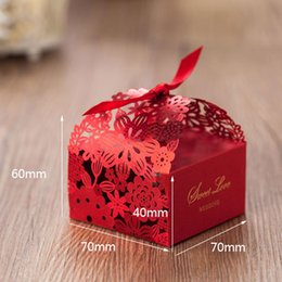 Wholesale Red Laser Cut Favor Holders Wedding Supplies Hollow Pierced Wedding Candy Box Chocolate Boxes Creative Gift Holder Wedding