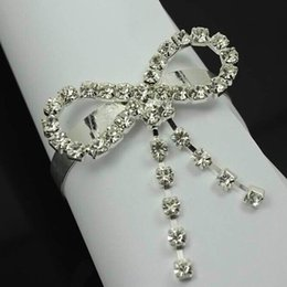 Wholesale Diamond Rhinestones Bow knot Napkin Ring Wedding Party Serviette Table Decorations Cheap Christmas Party Home Dinner Decora