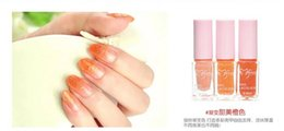 Wholesale Hot selling Three color gradient of magic nail polish suits Magic gradient nail polish Nail necessary