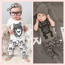 Wholesale NWT Cute Cartoon Bowtie Bear Baby Girls Boys Outfits Set Summer Sets Boy Cotton Tops Boys Harem Pants Suits