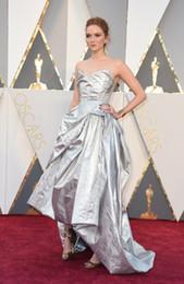 2016 Robes 88e Oscar Lily Cole Tapis rouge robes en taffetas Argent High Low Mode Robes Celebrity Drapé Sexy Back Pageant Party