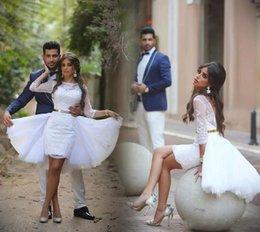 Wholesale Nuevos vestidos de boda blanco corto de la envoltura con tul sobrefaldas de espalda Bateau cuello de las mangas de los vestidos nupciales del cordón largo con cinturón de oro