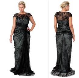 Wholesale Plus Sizes Black Lace Mother Of the Bride Sheer Straps Capped Short Sleeves Mother s Dresses Sweep Train Elegant Special Occasion Dress