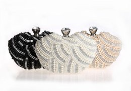 Wholesale New Bag Women s Heart Shape Imitation Pearls Beaded Clutch Bag Waves Crystal Party Purse Wedding Handbag Color NO03114
