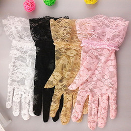 Wholesale Hot Women Wedding Bridal Lace Gloves Accessories Bride Tulle Flowers Hollow Short Ruffles Glove Car Drive Sun Protection Hand Wear G118