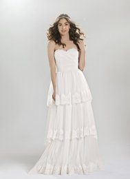 Wholesale Romantic Boho Pleated Tiered Lace Trimmed Tulle Wedding Dresses Cheap Strapless Princess Wedding Dress Vintage A Line Wedding Gowns