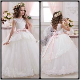 Wholesale Elegant White Lace Sheer First Communion Dresses for Girls V Back Vestidos de Comunion Casamento white Flower Girl Dresses
