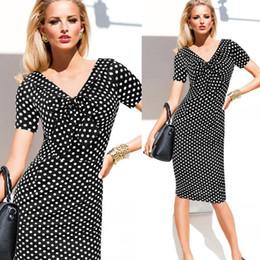 Женские стильные платья для работы