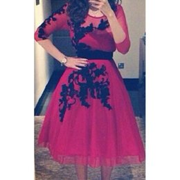Wholesale Sexy Red Tulle Arabic Party Dresses A Line Long Sleeves with Black Appliques Cheap Tea Length Custom Evening Gowns Top Quality