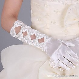 Wholesale 2015 HOT Sale White And Ivory With Exquisite Beaded Full finger Beatiful Hollow Birdal Accessories Bridal Gloves