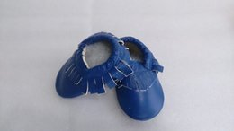 Wholesale Baby moccasins soft moccs shoes baby moccasins soft leather moccs baby booties toddler shoes for age M unisex leather shoes