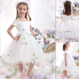 Dress style for short girl