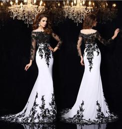 Wholesale 2016 Elegant Long Sleeves Lace Evening Dresses Vestidos De Noiva Arabic Crew Sheer Neck Black Applique Plus Size Formal Prom Party Gowns