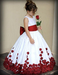 Wholesale Flower Girl Dresses for Wedding Wine Red and White Sash Ball Gown Sweep Train Crew Little Girls Pageant Gowns First Communion Dresses