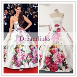 Wholesale Floor Length Printed Flowers sonam kapoor poses Cannes Festive Myriam Fares Ball Gown Celebrity Dress Strapless Puffy Prom Dresses