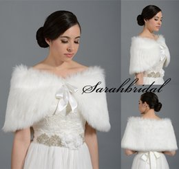 Wholesale Black Friday Hot Winter Bridal Wraps Shawl Shrugs Faux Fur Boleros Stole Caps Women Bridesmaid Prom Dress Wrap Ivory White Cheap