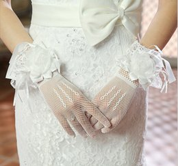 Wholesale Hot Selling New Short Bridal Gloves Wedding Gloves with Flowers High Quality Cheap Wedding Accessories In Stock