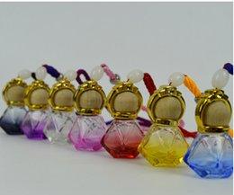 Wholesale Pendant glass bottles perfume bottles with empty bottles of new diamond surface ornaments car