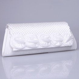 Wholesale Red White Cheap Bridal Hand Bags Rose Pearls Bridal Handbags Formal Occasion Wedding Bridal Handbag Evening Bags Fresh Party Handbags