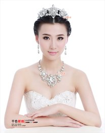Wholesale Crown necklace three piece wedding dress accessories A7
