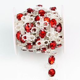 Atacado-1yd Crystal Red Glass Rhinestone Silver Applique Chain Vestido de noiva Traje Trim R2988Y