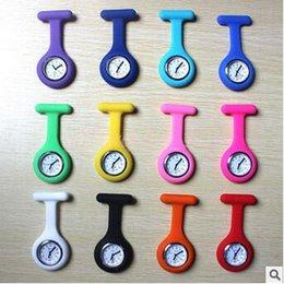 1000шт CCA3301 Новые силиконовые медсестра смотреть медсестра смотреть Симпатичные Шаблоны Fob Кварцевые часы Доктор часы Карманные часы Fob Медицинские часы