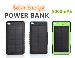 8000mAh Chargeur solaire de banque d'énergie Batterie de secours externe avec la boîte de vente au détail pour l'iPhone iPad Téléphone portable de Samsung