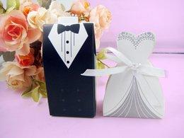 Wholesale 300 Wedding Bridal Formal Dress Paper Favor Holder Party Bride Bridegroom Suit Candy Box Sweet Boxes Shower Flower Organizer