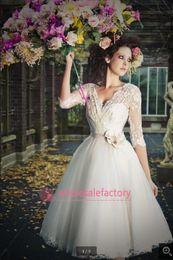 Wholesale Sheer Lace Beach Wedding Dresses V Neck Long Sleeve Knee Length Short Romantic Tulle Hot Summer Wedding Dress