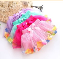 Wholesale High quality Girls Ball Gown skirt The us net petals bright pearl bow skirt baby cakes skirt baby clothes R455