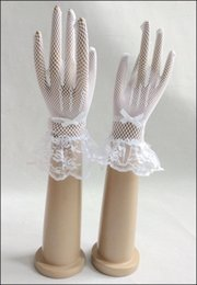 Wholesale The latest version of the bride gloves to white black lace wrist length of fashion wedding accessories gloves