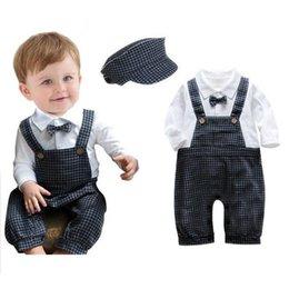 2015 nuevas ropa del bebé del juego de la ropa del otoño de los muchachos del bebé de los niños de manga larga camisa blanca tirantes cuadrícula con niños sombrero ropa