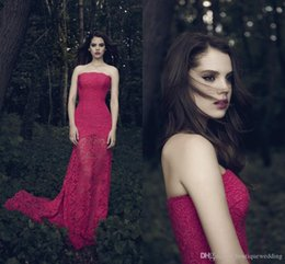 Wholesale Daalarna Designer Vintage Red Mermaid Evening Dresses with Jacket Strapless Button Back Lace Maxi Dresses Evening Wear Custom FY1813