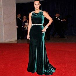 Wholesale Red Carpet Kim Kardashian Green Velvet Dress Scoop Beaded Hollow Back Long Celebrity Dresses Prom Evening Gown