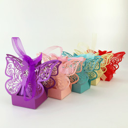 Wholesale 50Pcs Butterfly HollowParty Box Wedding Hollow Carriage Baby Shower Favors Gifts Candy Boxes Gift bBoxes Candy Bags