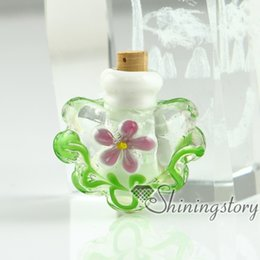 Wholesale miniature glass bottles small decorative glass bottles glass vial pendants