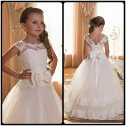 Wholesale First Communion Dresses For Girls Scoop Backless With Appliques and Bow Tulle Ball Gown Pageant Dresses For Little Girls