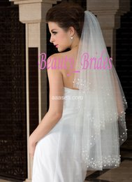 Wholesale Two Layers Ivory White Bridal Veils comb with Pearls and Beaded Edge Elbow Length Hair Accessories for Bride Wedding Veil