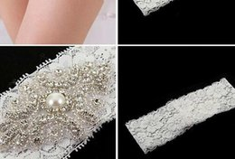 En stock Livraison gratuite Lace Bridal Garters White Ivory 2015 Cheap Sexy with Crystal Beads Wedding Leg Garters Bridal Accessories