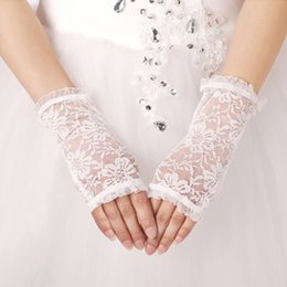 Wholesale Elegant Bride Gloves Full Lace For Wedding Party Gloves New Arrival Cheapest Gloves