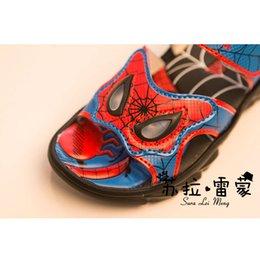 Wholesale Venta al por mayor a nuevas sandalias del muchacho del hombre araña modelos zapatos confortables y frescas sandalias de moda de los zapatos ocasionales respirables
