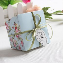 Wholesale 200 New Arrival Blue Pink Floral Flower Trapezoid Wedding Favor Candy Boxes Gift Box Sugar Candy Box With Ribbons