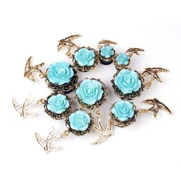 Wholesale Trendy Round Resin Rose Ear Plugs With Birds Pendant Piercing Body Jewelry Classial Dangle Ear Gauges Plugs Ear Stretcher Tunnels Expander