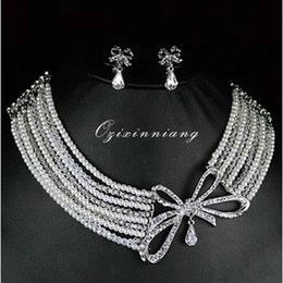 Wholesale Shiny Bridal Jewelry Set Two Pieces Small Bowknot Earrings Multi Layers Pearls Necklace Wedding Bridal Accessory Beautiful Princess WZ