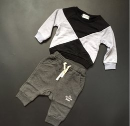 Wholesale ins baby toddlers kids children s autumn top boy s long sleeved black and gray Color block triangle patchwork sweatershirt top jacket coats