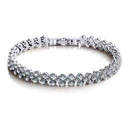 Wholesale new fashion women luxury bracelet setting AAA swiss cubic zircon glitter bracelet bangle female engagement gift jewelry L276