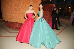 Wholesale Wonderful Sexy Ball Gown Princess Strapless Met Gala Red Carpet Celebrity Dresses Backless Evening Prom Dress
