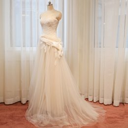 Wholesale Tulle Lace Wedding Dresses Corset Back Strapless Beach Wedding Gown Women Bridal Dress Customized Size