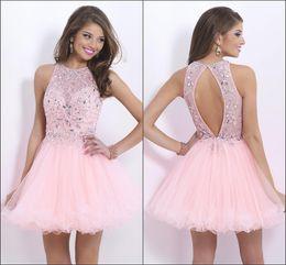 2015 moda de Nueva diseño rosado del Organza Vestidos de Fiesta Perlas de lentejuelas sin respaldo de una línea de partido corto de baile vestidos por encargo barato caliente de la venta